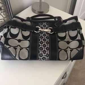 Coach purse large signature Hampton